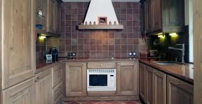 14 – Cuisine Traditionnelle – (En collaboration avec M. Jean Rignault – Architecte d'intérieur)